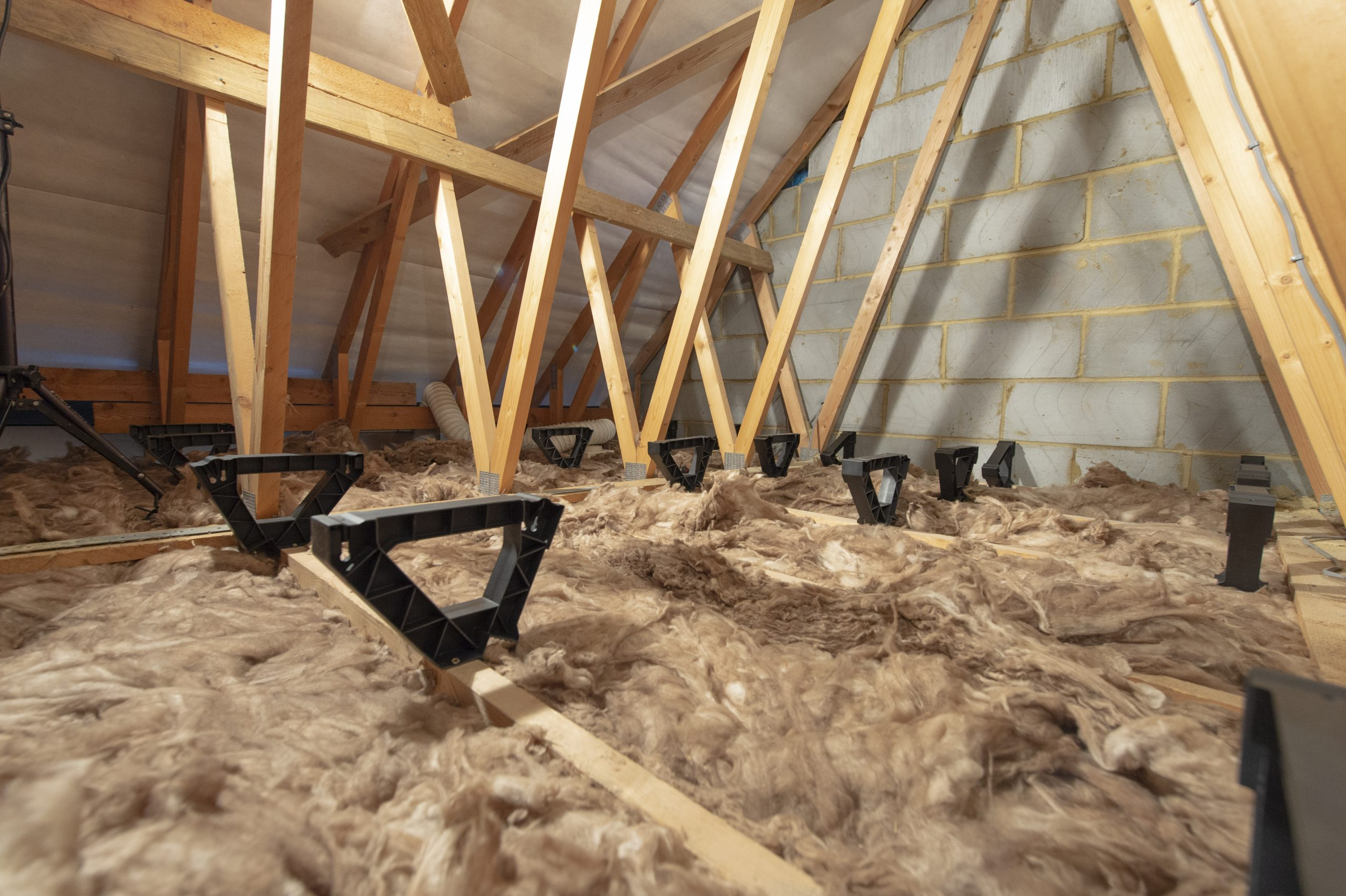 damp loft - fix with loftzone storefloor
